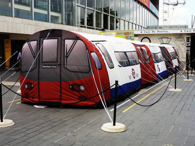 London Underground Tent U-Bahn Zelt & Underground Train Tent u0026 The London Underground Tube Tent Measures ...